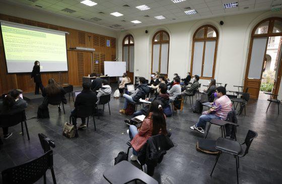 Rector Sánchez se reúne con egresados y egresadas UC